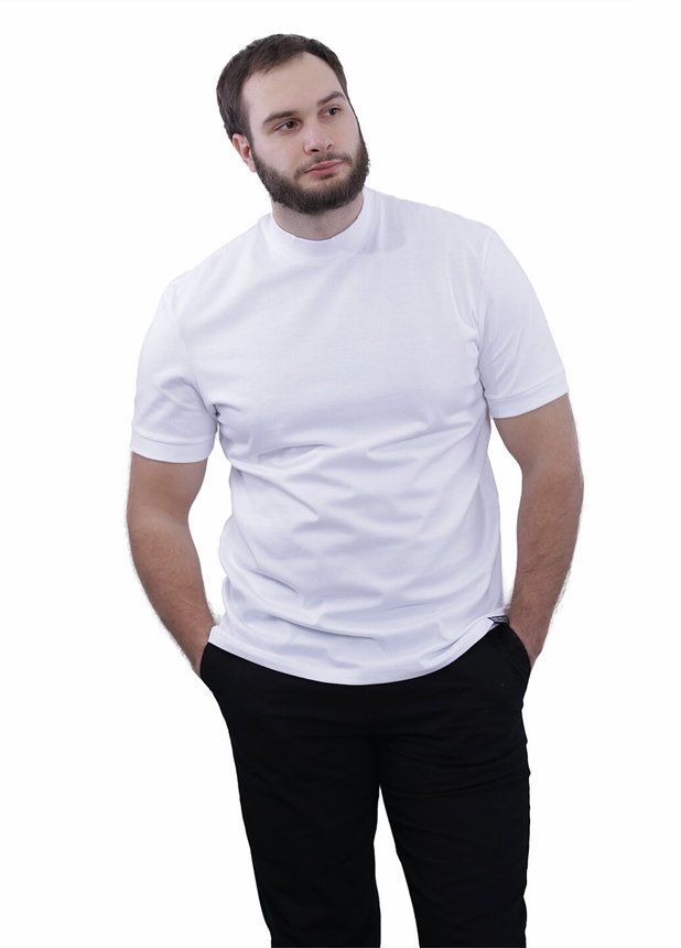 Middle neck T-shirt